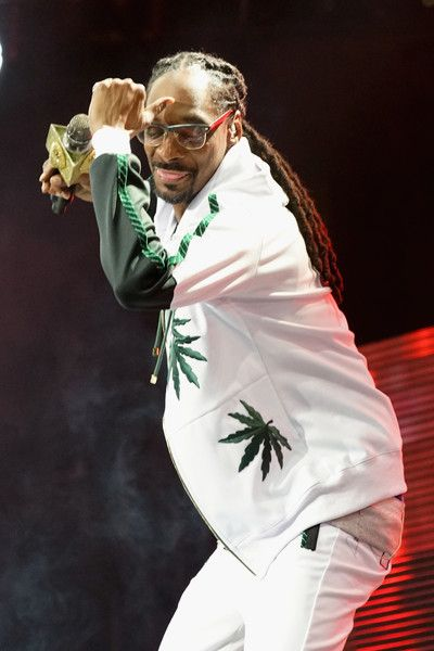 Snoop Dogg Photos Photos - Recording artist Snoop Dogg performs onstage at night one of the 2017 BET Experience STAPLES Center Concert, sponsored by Hulu, at Staples Center on June 22, 2017 in Los Angeles, California. - 2017 BET Experience STAPLES Center - Concert Sponsored by Hulu - Night 1