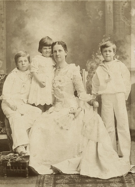 Victorian mother and children