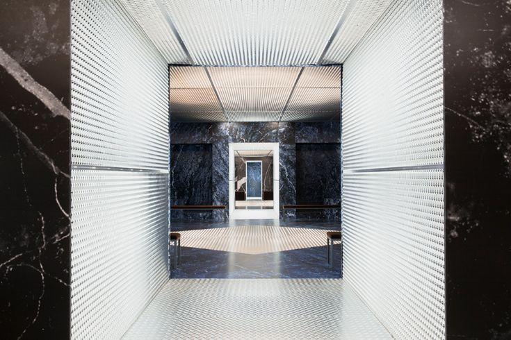 OMA/AMO creates infinite palace for prada men's A/W show in milan