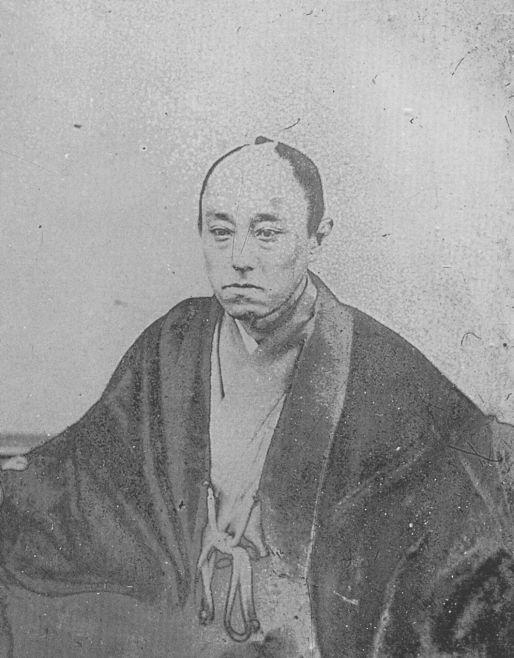 山内容堂、土佐藩15代藩主、藩政改革を断行し、幕末の四賢候の一人と称される一方、勤皇か佐幕かはっきりしないとの批判もあった。1872年(明治5年)7月26日病死、享年45.