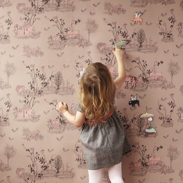 Magnetic wallpaper... And what a fairytale print...