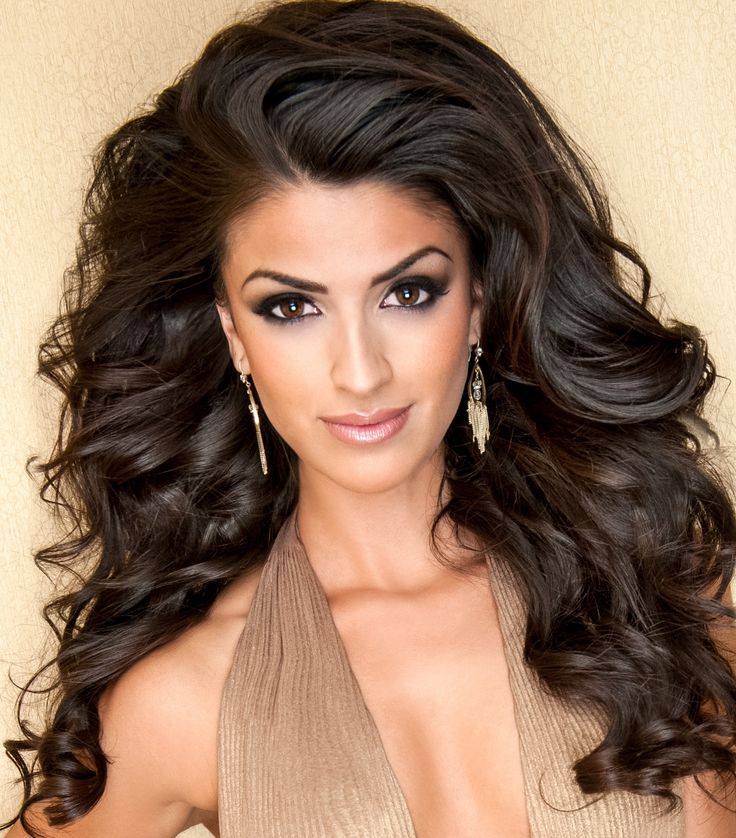 The hair and makeup tips and must-haves from the gorgeous beauty queen and fitness competitor Britana Campos