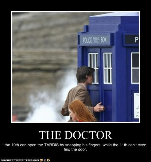 The 10th can open the TARDIS by snapping his fingers, while the 11th can't even find the door. #doctor #who <3 <3