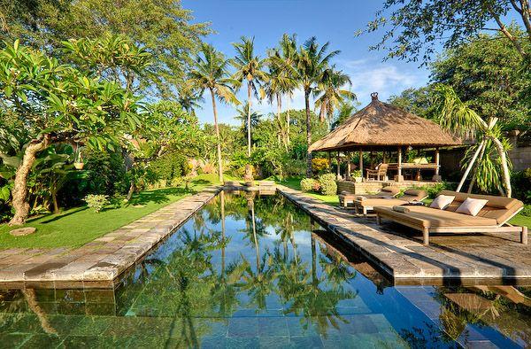 Villa Belong Dua Swimming pool in the afternoon