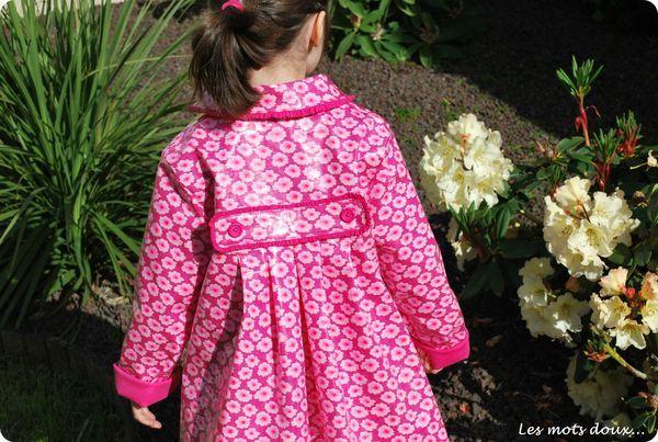 Agatha (P) pour la pluie et avec des froufrous chez Les Mots Doux.