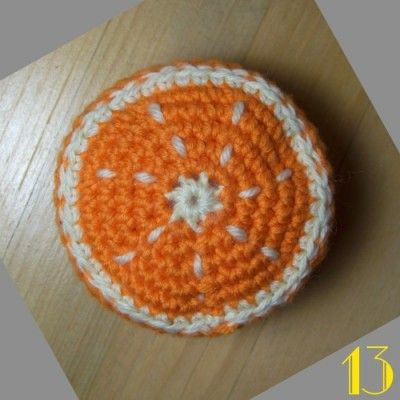 tuto orange au crochet http://www.stillvauriens.com/tutos/tuto-la-dinette-en-crochet-13-lorange/