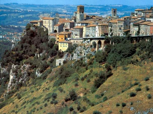 Narni, a small town in Umbria that gave the name to C.S. Lewis' famous Chronicles of Narnia
