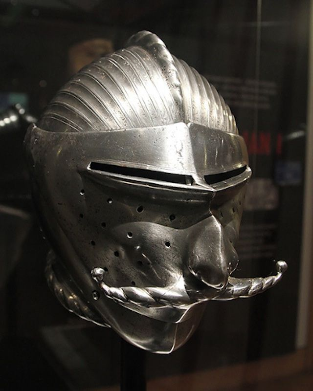 The Maximilian armour | These early 16th century German plate armours were first made for the Emperor Maximilian I. (via Cool Stuff In Paris and Wikipedia/Polish Army Museum and Marinni)