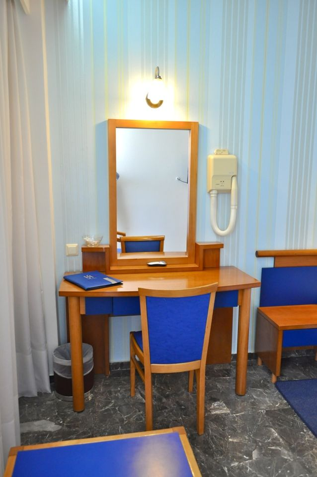 Our comfortable and functional single rooms are a great value for guests traveling for business or pleasure. #Athens #Hotel
