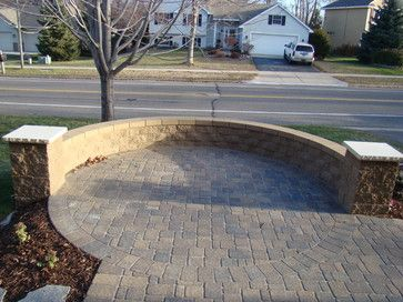 Front court yard with cobble pavers - traditional - patio - minneapolis - Bachmans Landscape Design - Tom Haugo