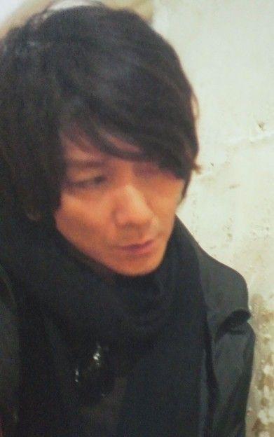 こんな目で吉井和哉に見られたら1秒で死ねる(´д`) - みんなの写真コミュニティ「フォト蔵」