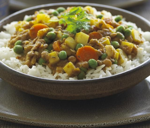 If you like Indian spices such as curry or ginger, you'll love this recipe of mixed Indian veggies: carrots, peas and potatoes simmered in a generous amount of aromatic Indian spices. This recipe for curried Indian mixed vegetables is vegetarian, vegan and gluten-free.