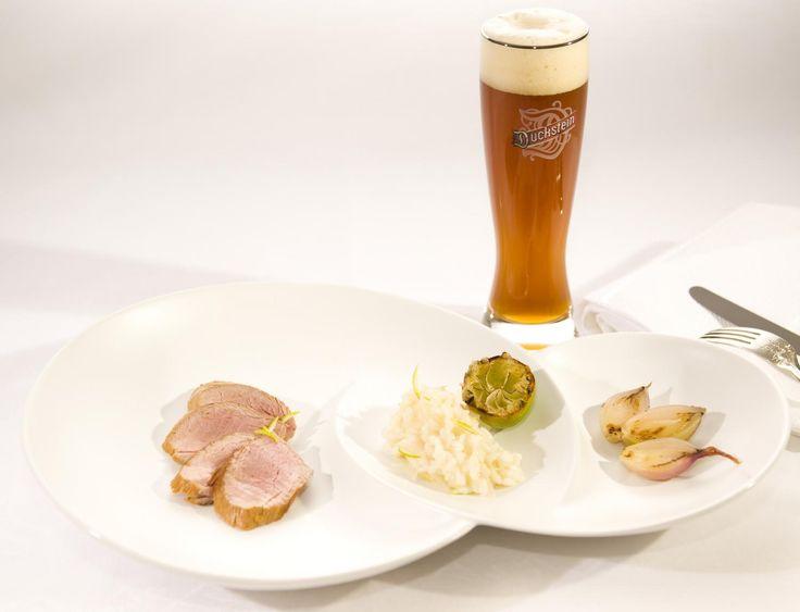 Duckstein Weizen Cuvée Rezept: Geräuchertes Filet vom Iberico-Schwein mit Limetten-Risotto und 87.000 weitere Rezepte entdecken auf DasKochrezept.de