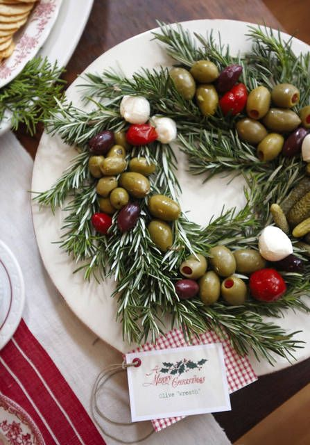 Holidays (visualfood) Inspirations: Rosmary, Olive, mozzarella (cherry size balls), peppers or cherry tomatoes