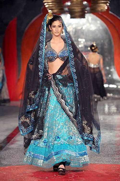 {Delhi Couture Week Highlights} Part 2