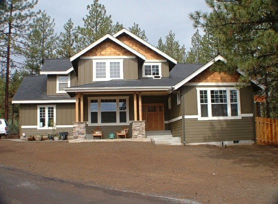 I like the cedar shake siding in peaks 2014 kitchen pinterest exterior colors craftsman - Craftsman home exterior ...