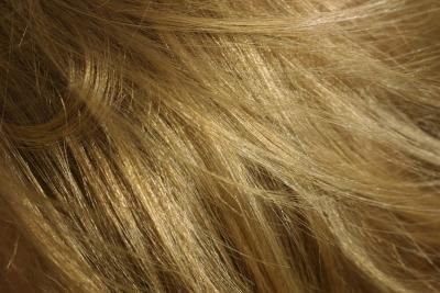 How to Remove Chlorine Buildup From Hair!
