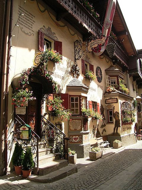 Idyllic houses in Römerhofgasse, Kufstein, Austria (by JP-ZMR)