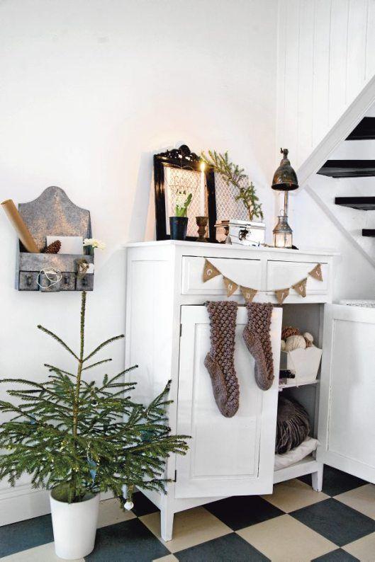 image by Roy Alsén, styling by Anne-Charlotte Andersson and Anna Kvarnström, for the Swedish magazine Livet På Landet