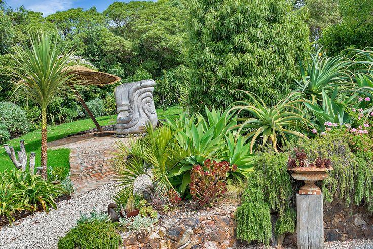 Delamore-58 Garden art sculpture