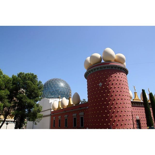The Dalí Theatre and Museum, Figueres, Spain. - http://great-trips.com/the-dali-theatre-and-museum-figueres-spain-5.html?utm_source=PN #Barcelona, #Catalunya, #Cp, #Dalimuseum, #Greattrips, #Museum, #Spain, #барселона, #дали, #испания, #каталония