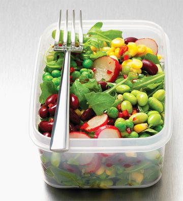 Forget the bologna sandwich, pack this low-fat, high-protein spring salad for lunch.