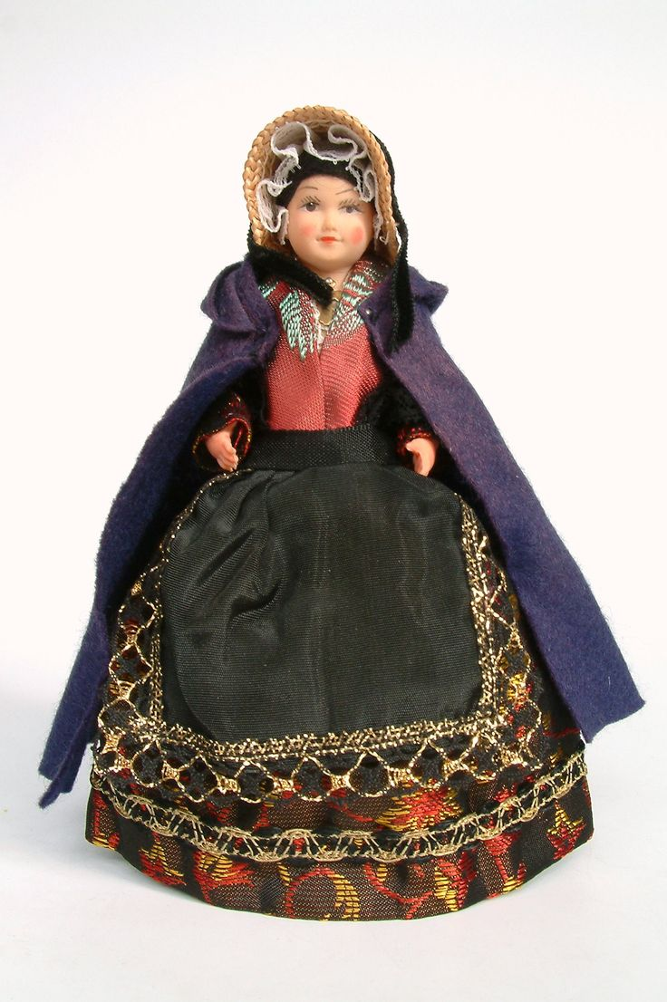 France | National costume doll from Auvergne