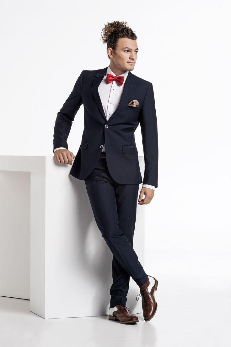 W naszych sklepach nadal trwa i jeszcze trwać będzie promocja studniówka. Komplet studniówkowy w świetnej cenie znajdziecie państwo w naszych salonach oraz sklepie internetowym. Zapraszamy. #j #fryderyk #jfryderyk #studniówka #2015 #2016 #garnitur #suit #koszula #shirt #krawat #tie #moda #męska #men #fashion #mensfashion