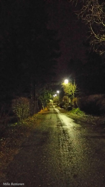Sunnuntaiaamu n. 7:20 marraskuussa. Finnish Sunday morning on November.