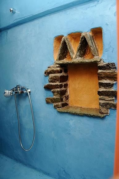 A #blue shower cabin in the Orange House in #Tinos http://www.tinos-habitart.gr/orange-house.php
