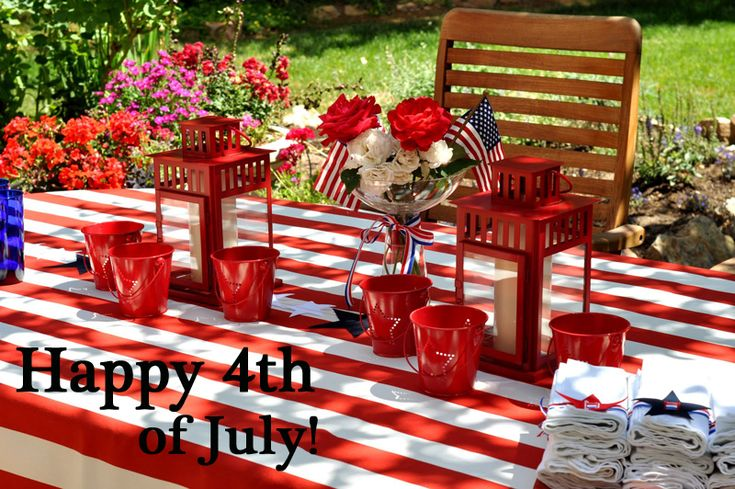 Suzy-q-better-decorating-bible-blog-ideas-diy-july-4th-patriotic-decorations-red-white-blue-stars-garland-tin-candle-hot-dog-trays-napkin-rings-table-runner-picnic-how-to-stripes-sewing-craf-2.jpg 800×532 pixels