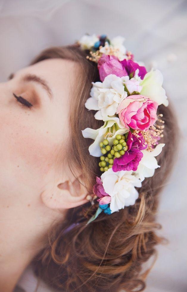 Flores para el pelo - Corona de flores - hecho a mano por magaela en DaWanda