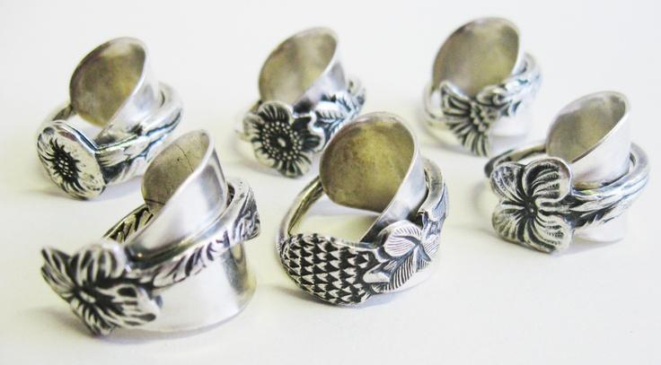 Theelepelringen. Deze ringen zijn gemaakt van theelepels.