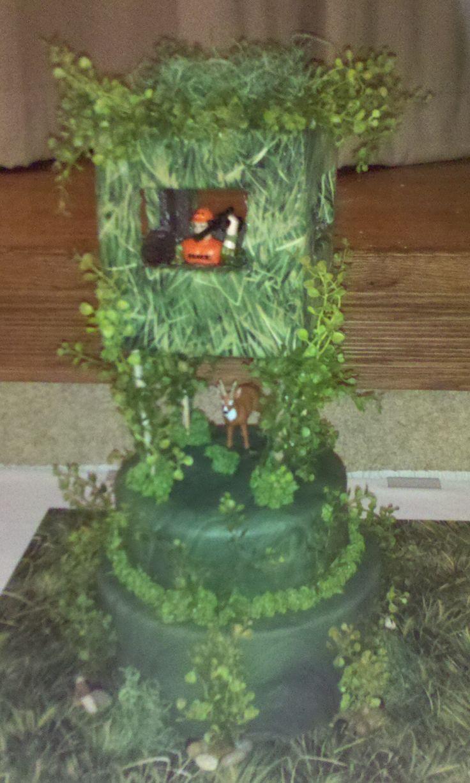 Deer Hunting Grooms Cake - Groom is a die hard deer hunter and this was the surprise Grooms cake from his bride!