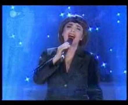 Mireille Mathieu sings ABBA Bravo Tu as Gagne - YouTube
