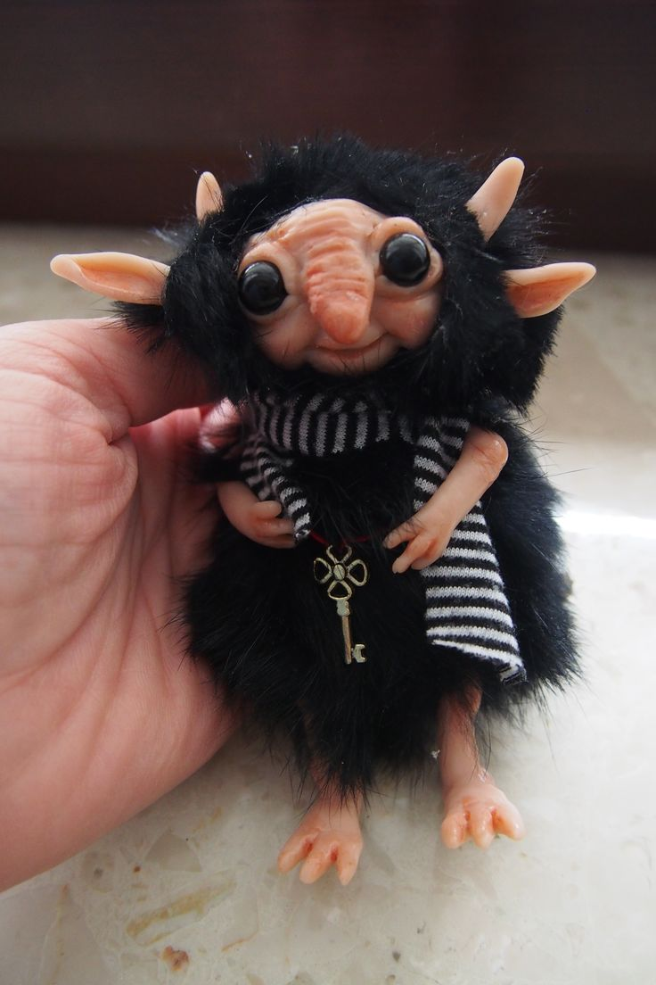 OOAK fantasy art doll little troll gnome TZEMO by Muyestillo