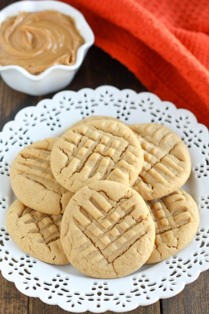 ThiseasySmall Batch Peanut Butter Cookie reciperequires just one bowl! This recipe only makes 6-7 cookies and they're done in just 30 minutes!