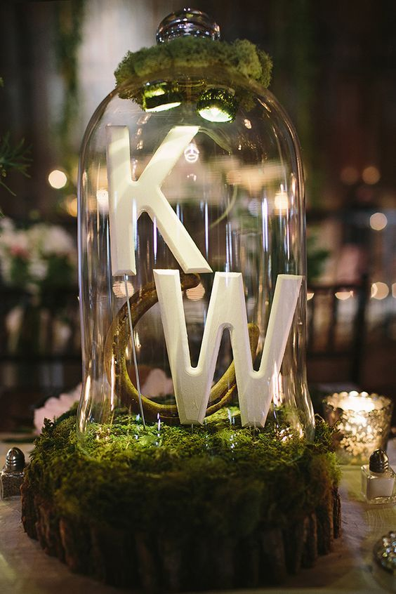 monogram terrarium wedding centerpiece / http://www.himisspuff.com/geometric-terrarium-wedding-ideas/3/