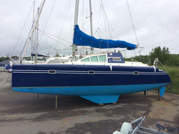 Catamaran Keenex en FULL COVERING, effectué par notre poseur Franck à Port la Forêt