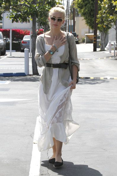 Amber Heard and Tasya Van Ree Photos Photos - 'The Rum Diaries' actress Amber Heard and a friend out shopping at Fred Segal in West Hollywood, California on May 15, 2012. - Amber Heard Shopping At Fred Segal