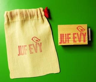 stempel met zakje/ zakje versieren met textielstift