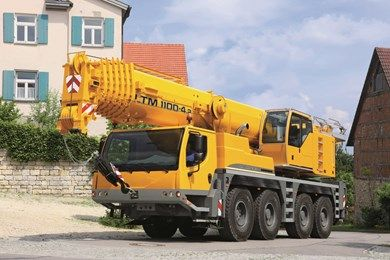 The LTM 1100-4.2 delivery maximum load capacities in the 4-axle mobile crane class. The long telescopic boom can be extended with additional lattice mast sections and a double folding jib. The active rear-axle steering and pneumatic disk brakes deliver greater safety and economy.