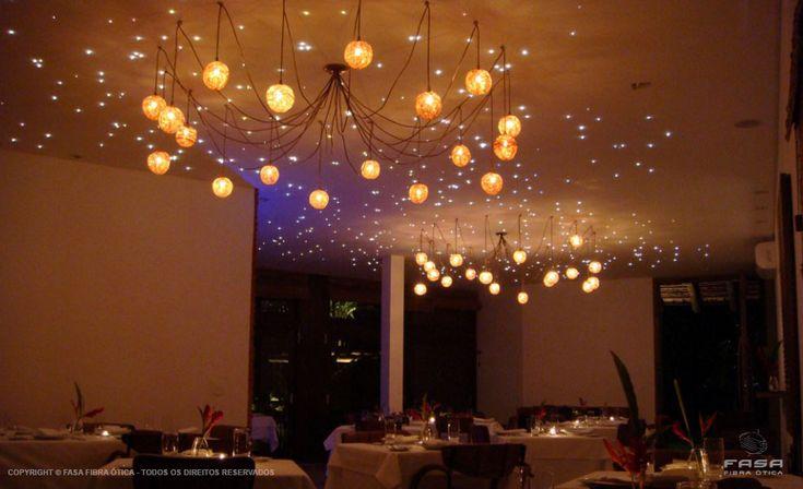 Céu estrelado com fibra ótica / Efeito tipo céu estrelado - Pousada Azul Maria - Praia da Baleia, SP / Projeto Luminotécnico: Scene Light Design - Fibra ótica - céu Estrelado - Iluminação