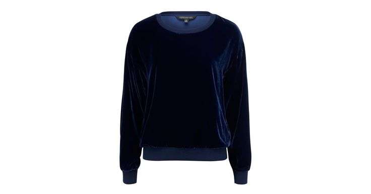 Discover a new wardrobe favourite and channel chic sophistication with our Kim Velvet Sweat, sure to see you transition effortlessly from day to night.