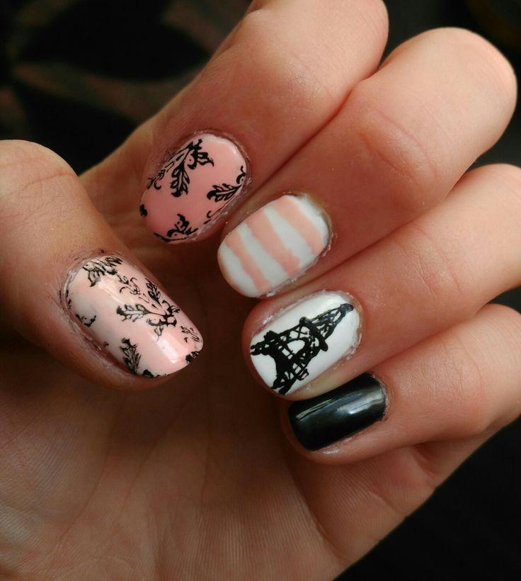 Oh la la, Paris nail art.