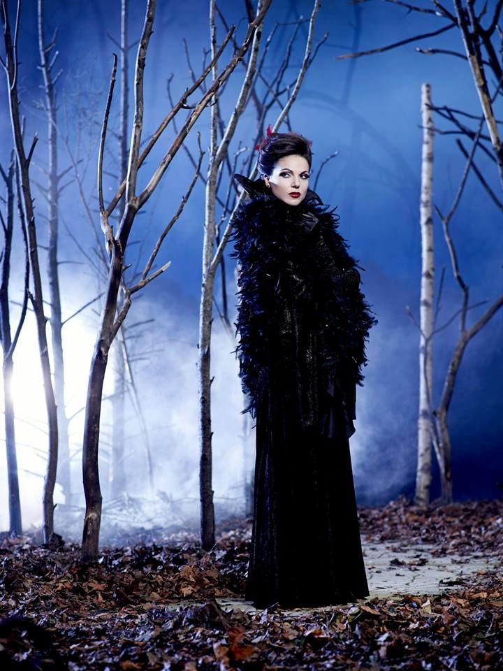 Lana Parrilla: Regina Cattiva/Regina Mills