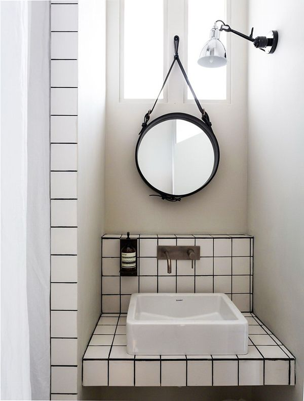 A VERY SMALL STUDIO APARTMENT IN FRANCE | Dream bathroom