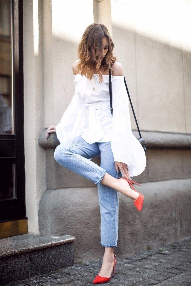 Estilo: Zapatos salón rojo. ¿Con qué llevar? 👠 Rojo - uno de los colores más sofisticados.  Es suficiente ponerte zapatos rojos (salón y con tacón) y tu imagen se convierte más  femenina y elegante incluso con un look casual. #moda #estilo #tendencias #ootd #outfitoftheday #lookoftheday #fashion #style #trendy #glamour #lookbook #outfit #look #clothes #fashionista #blogger #fashionblogger #streetstyle #streetwear #streetfashion #accessories #accesorios #fashionlover