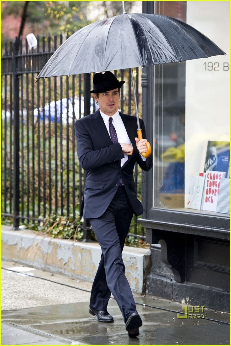 Matt Bomer Rainy Day On White Collar Set