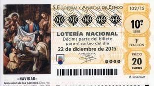 En la parte central del billete lo primero que se distingue es «S. E. Loterías y Apuestas del Estado», e inmediatamente debajo, cinco cifras que trazan la suerte